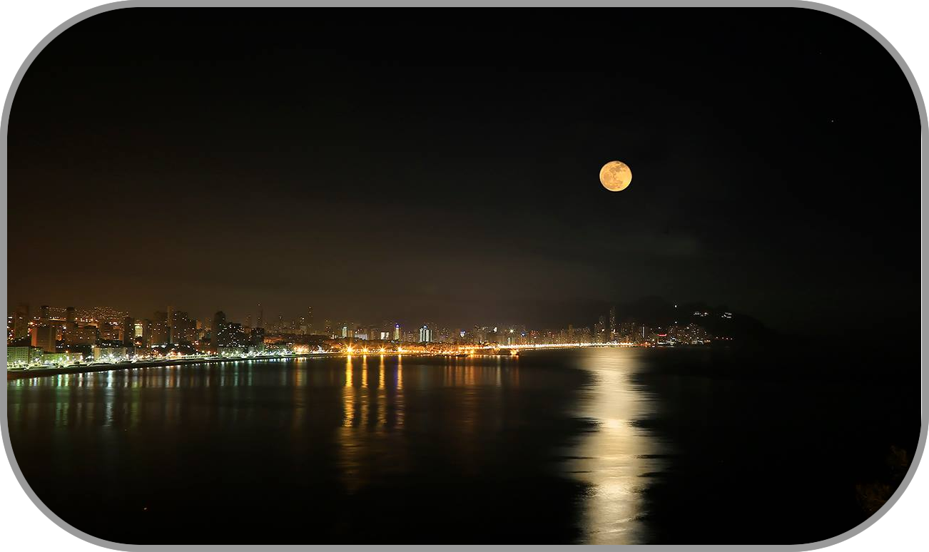 Moon over Benidorm web